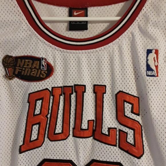 huge selection of 9c494 aa761 Nike Chicago Bulls Michael Jordan Finals Jersey